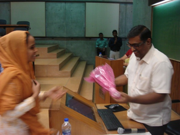 Welcome of Dr. H Anilkumar (Librarian & Head NICMAN) at IIMA