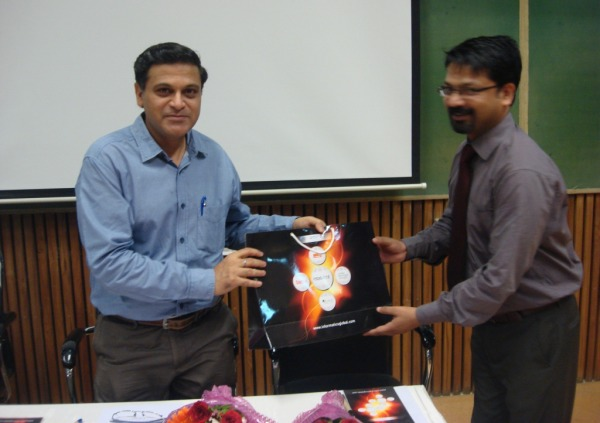 Welcome of Prof Amit Gurg by INFORMATICS